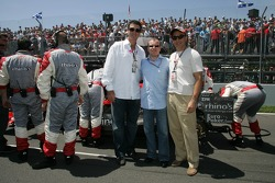Alex Shnaider, Mario Lemieux, Ice Hockey player, and a guest on the grid