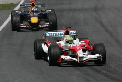 Ralf Schumacher leads David Coulthard