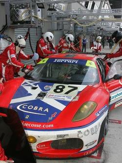 #87 Scuderia Ecosse Ferrari 430 GT in the pits