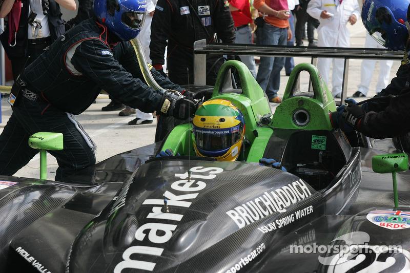 #22 Rollcentre Racing Radical SR9 Judd dans les stands