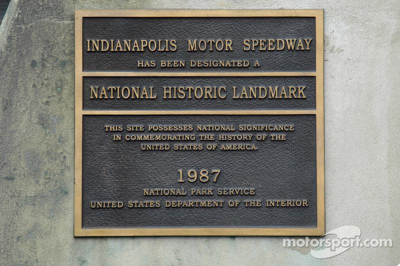 Le National Park Service reconnaît le statut historique du Speedway. Le Speedway est plus ancien que le Park Service.