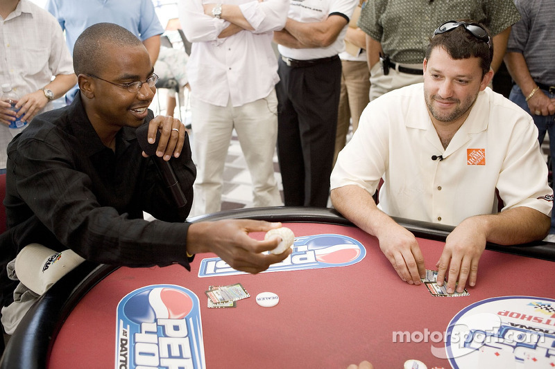 Tony Stewart gets poker advice from 2005 World Series of Poker runner-up Corey Bierra