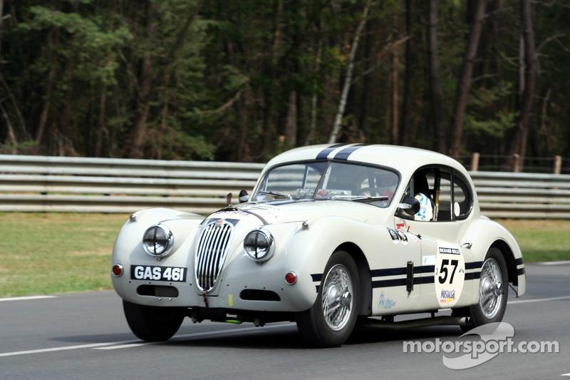 #57 Jaguar XK 140 1955