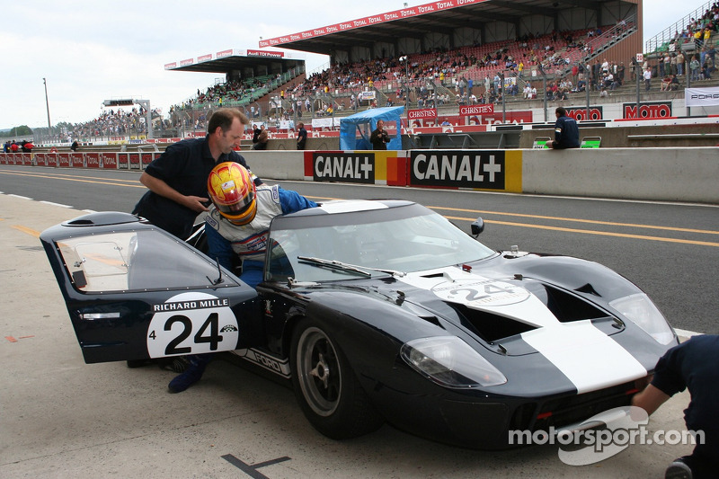 #24 Ford GT 40 1965