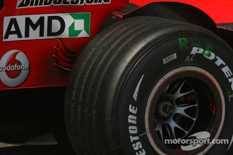 Neumático trasero de Bridgestone de Michael Schumacher