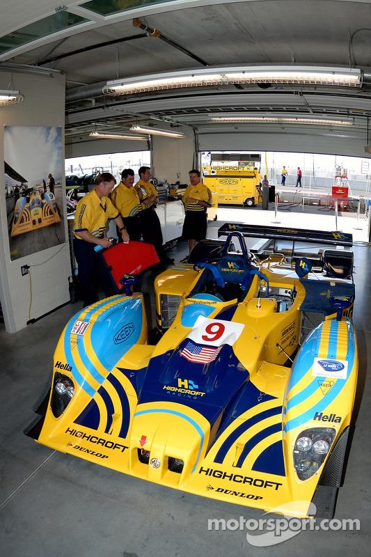 Le garage de Highcroft Racing