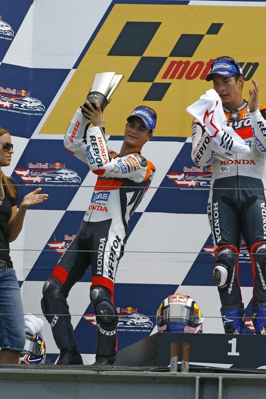 Podium: le vainqueur Nicky Hayden avec Dani Pedrosa