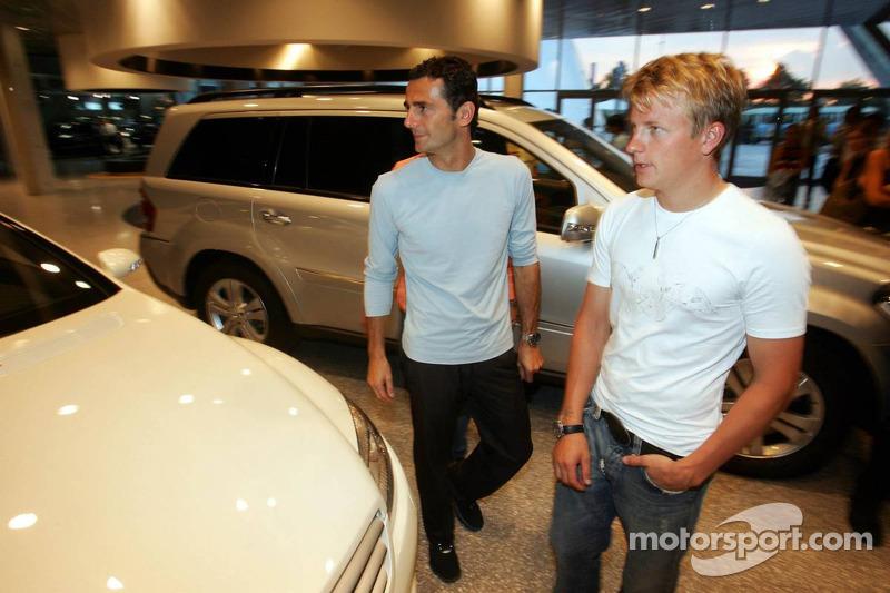 Evénement média de DaimlerChrysler Mercedes: Kimi Räikkönen et Pedro de la Rosa présentent la nouvel
