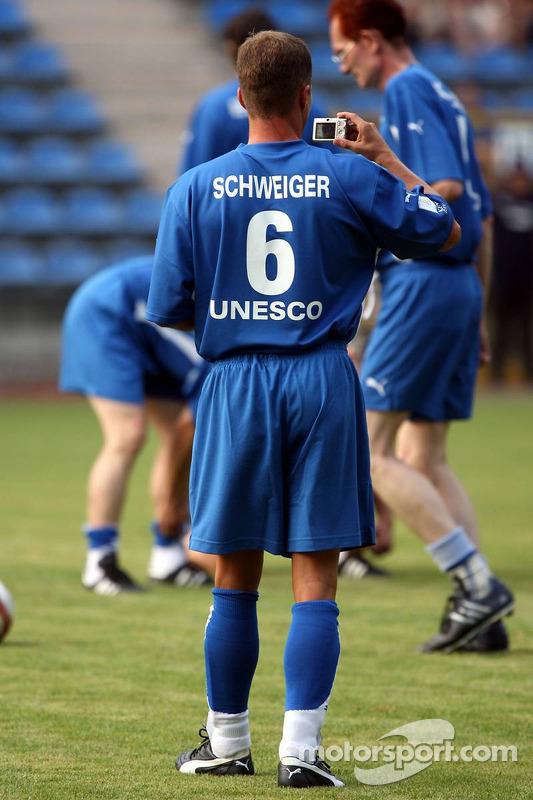 Spiel des Herzens, des stars de la F1 jouent contre des stars de RTL pour l'UNESCO: Til Schweiger