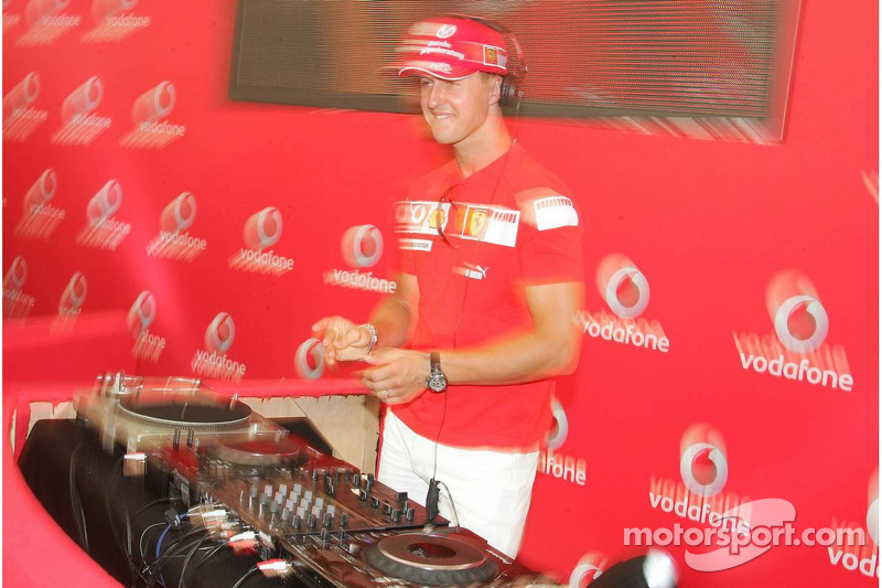 Evénement DJ de Vodafone Racing: Michael Schumacher