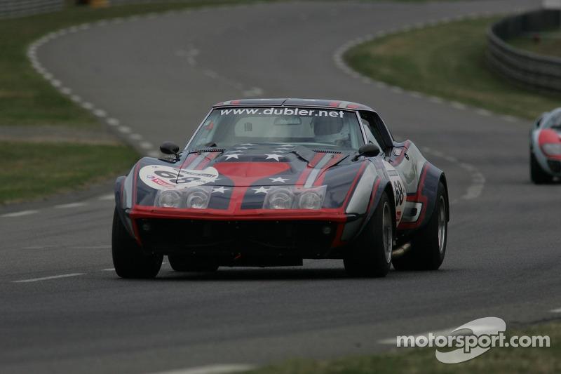 VINTAGE MOTORSPORT 2006 SEPT - NICKEY RACING, BONDURANT vs US GP, 289 COBRA