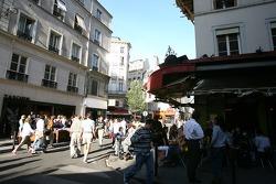 A vibrant street in Saint-Germain-des-Prés
