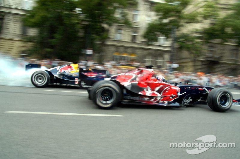 Red Bull Show Run Budapest: Robert Doornbos y Neel Jani
