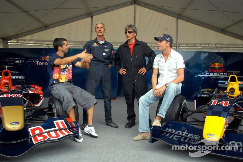Red Bull Show Run Budapest: Neel Jani, Peter Besenyei y Robert Doornbos