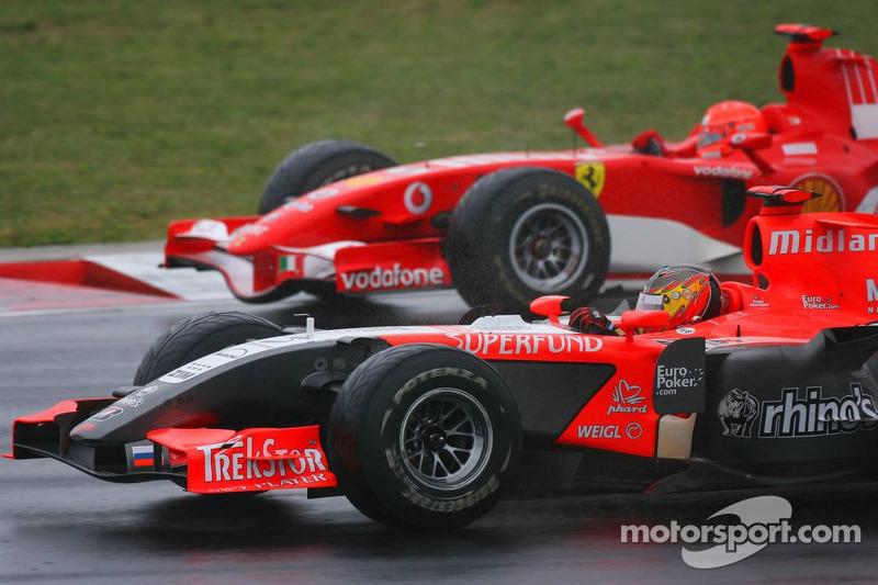 Tiago Monteiro y Michael Schumacher