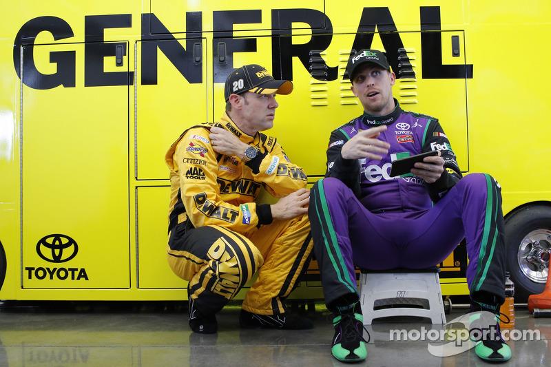 Matt Kenseth, Joe Gibbs Racing, Toyota, und Denny Hamlin, Joe Gibbs Racing, Toyota