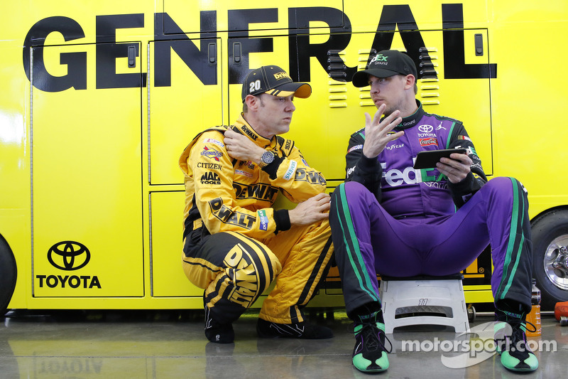 Метт Кенсет, Joe Gibbs Racing Toyota та Денні Хемлін, Joe Gibbs Racing Toyota