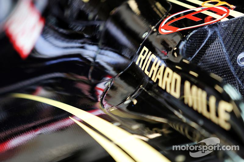 Lotus F1 E23