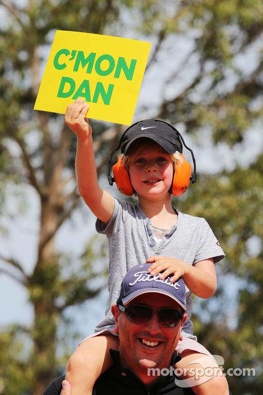 Daniel Ricciardo, Red Bull Racing, Fans