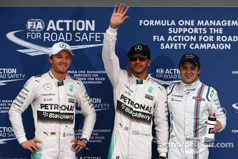 2. Nico Rosberg, Mercedes AMG F1, mit Pole-Sitter Lewis Hamilton, Mercedes AMG F1, und 3. Felipe Massa, Williams F1 Team