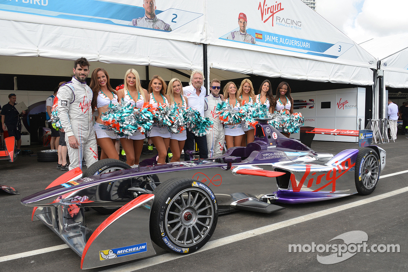 Richard Branson with Virgin Racing girls