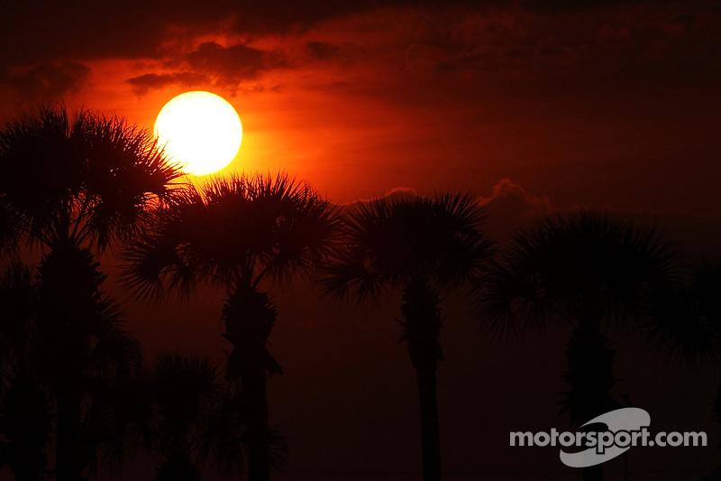 Die Sonne geht unter am Sebring International Raceway