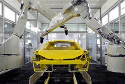 Ein Ferrari-Straßenwagen wird gebaut