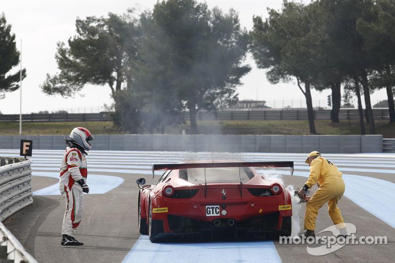 AF Corse, Ferrari F458 Italia: Mads Rasmussen, Filipe Barreiros, Francisco Guedes, auf der Strecke angehalten