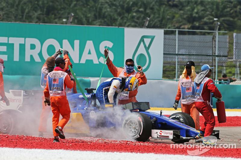 Marcus Ericsson, Sauber C34 se retiró de la carrera