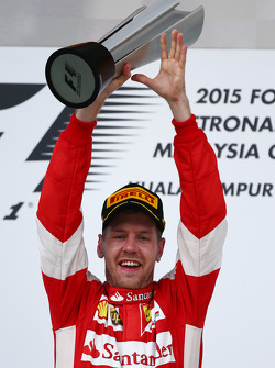 Победитель гонки Себастьян Феттель, Ferrari