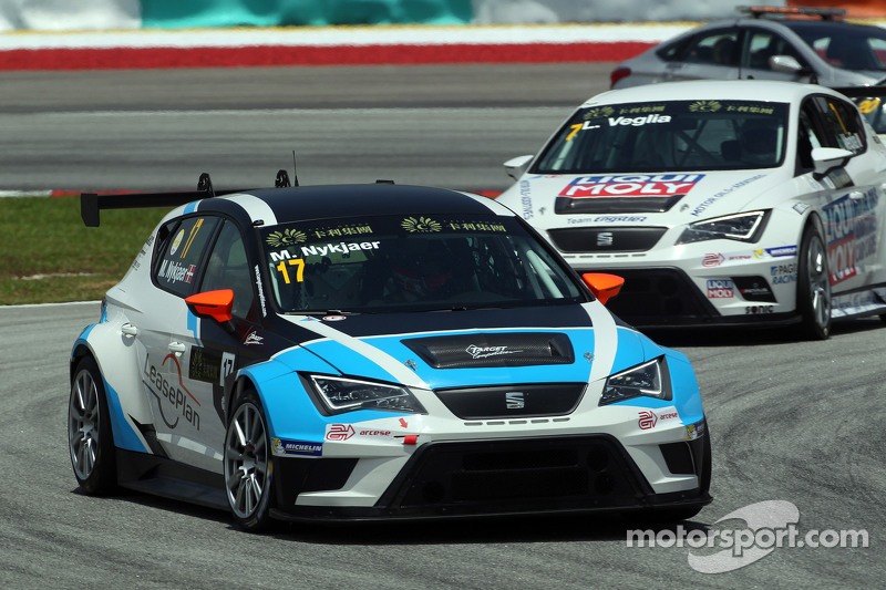 Michel Nykjaer, SEAT Leon Racer, Target Competition, und Lorenzo Veglia, Liqui Moly Team Engstler, SEAT Leon Racer