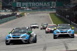 Stefano Comini, SEAT Leon Racer, Target Competition, und Andrea Belicchi, SEAT Leon Racer, Target Competition