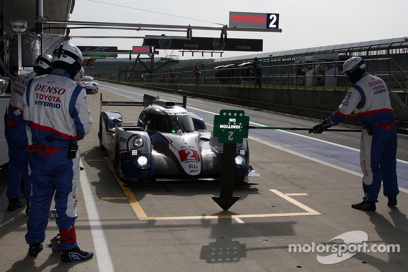 #2 Toyota Racing, Toyota TS040-Hybrid: Alexander Wurz, Stéphane Sarrazin, Mike Conway