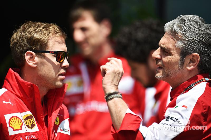 Sebastian Vettel, Ferrari bersama Maurizio Arrivabene, Ferrari Team Principal