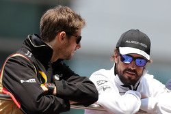 Ромен Грожан, Lotus F1 Team and Fernando Alonso, McLaren Honda