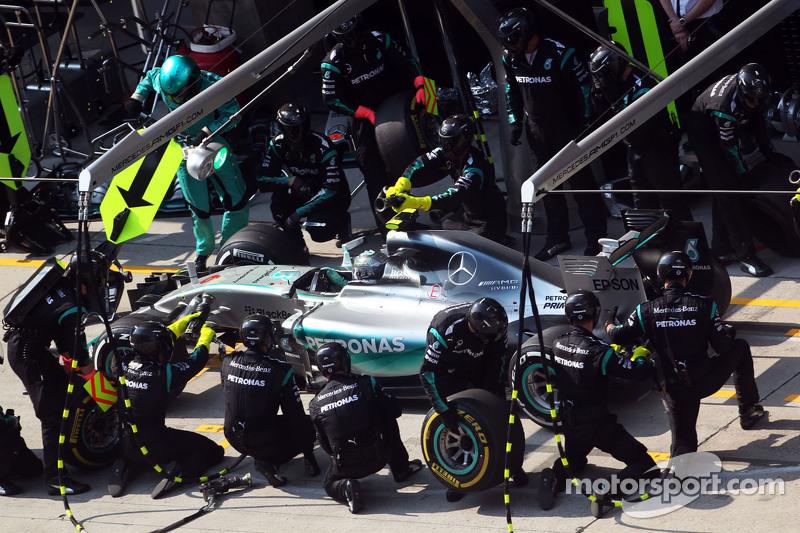 Ніко Росберг, Mercedes AMG F1 W06 робить піт-стоп