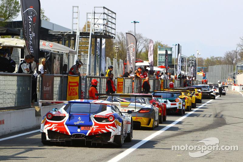 Cars ready для action