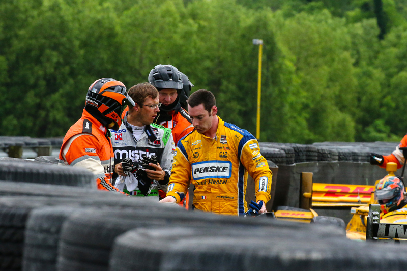 Sebastien Bourdais, KVSH Racing, dan Simon Pagenaud, Team Penske Chevrolet