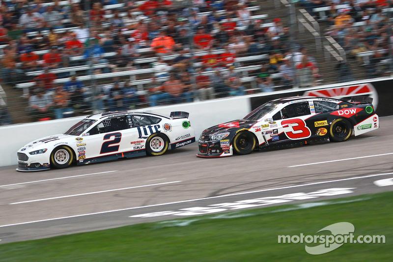 Brad Keselowski, Team Penske Ford dan Austin Dillon, Richard Childress Racing Chevrolet
