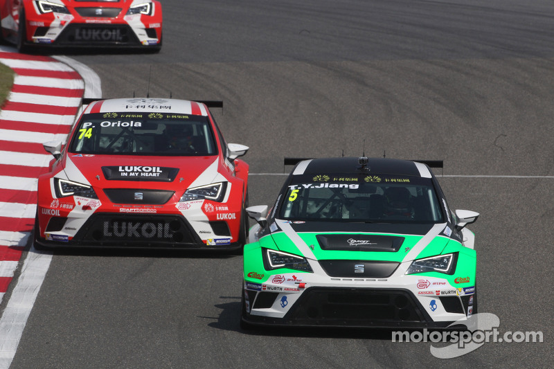 Tengyi Jiang, SEAT Leon Racer, Target Competition, und Pepe Oriola, SEAT Leon Racer, Team Craft-Bamb