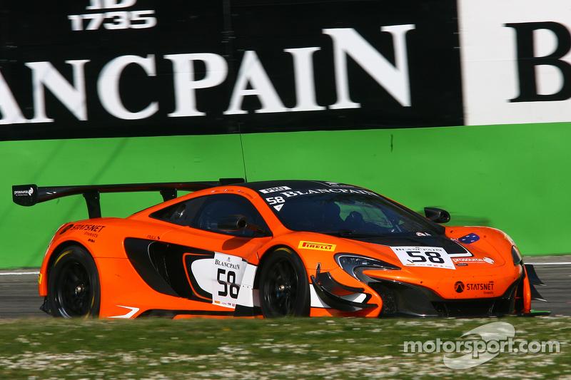 #58 Von Ryan Racing: Шейн ван Гісберген, Robert Bell, Кевін Естре