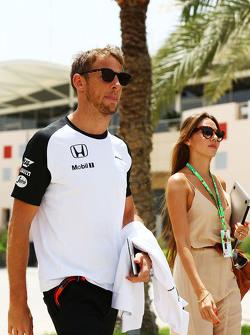Дженсон Баттон McLaren со своей женой Джессикой Баттон