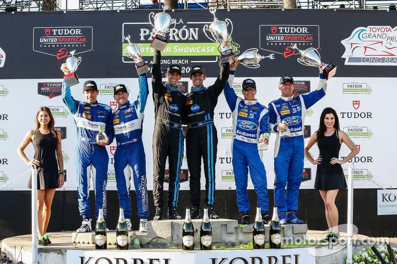 Podium: Third place #90 VisitFlorida.com Racing Corvette DP: Richard Westbrook, Michael Valiante, Ra