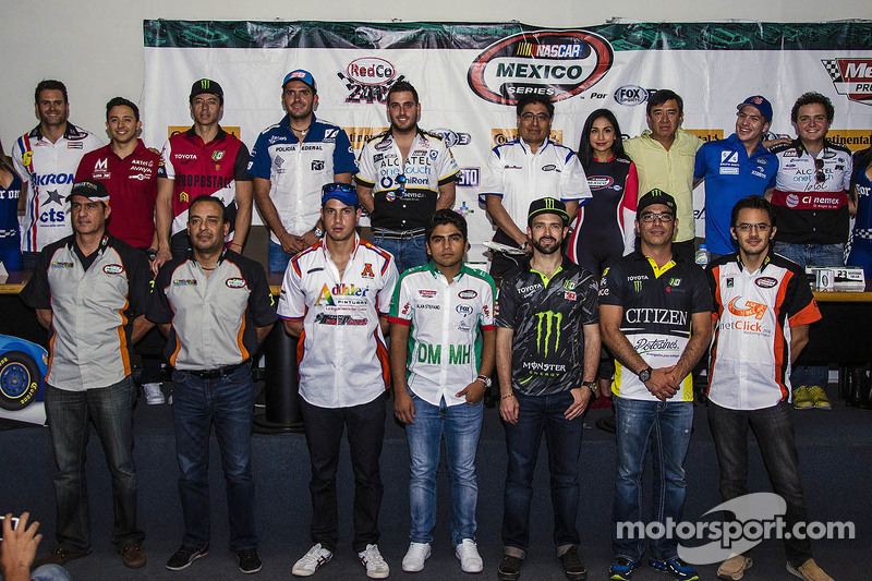 NASCAR Mexico group photo