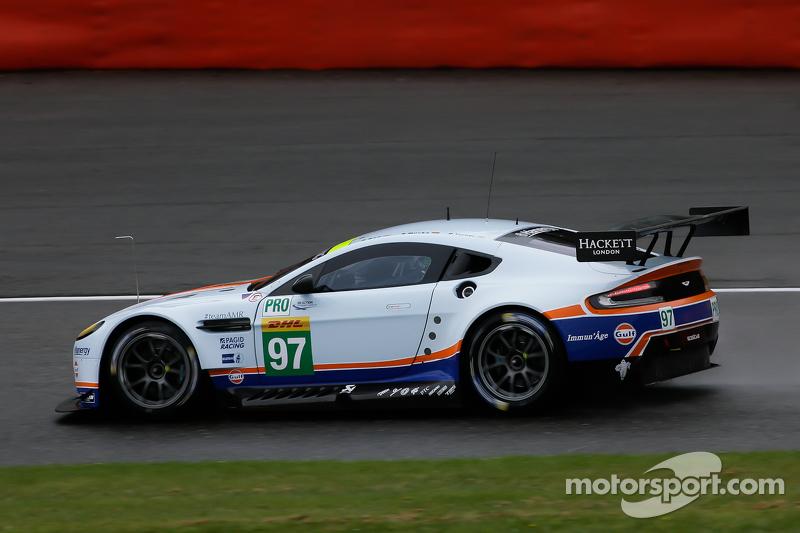 #97 阿斯顿·马丁车队,阿斯顿·马丁Vantage V8: Darren Turner, Stefan Mücke, Rob Bell