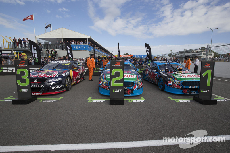Prodrive Racing Australia, Ford, und Triple Eight Engineering, Holden