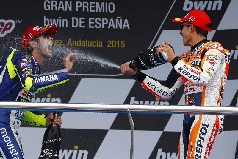 Podium: 3. Valentino Rossi, und 2. Marc Marquez