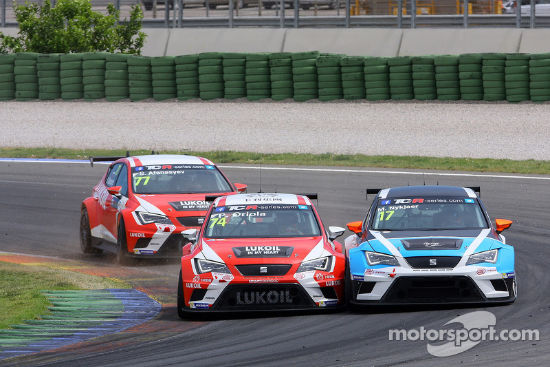 Pepe Oriola, SEAT Leon Racer, Team Craft-Bamboo LUKOIL y Michael Nykjaer, SEAT Leon Racer, Target Co