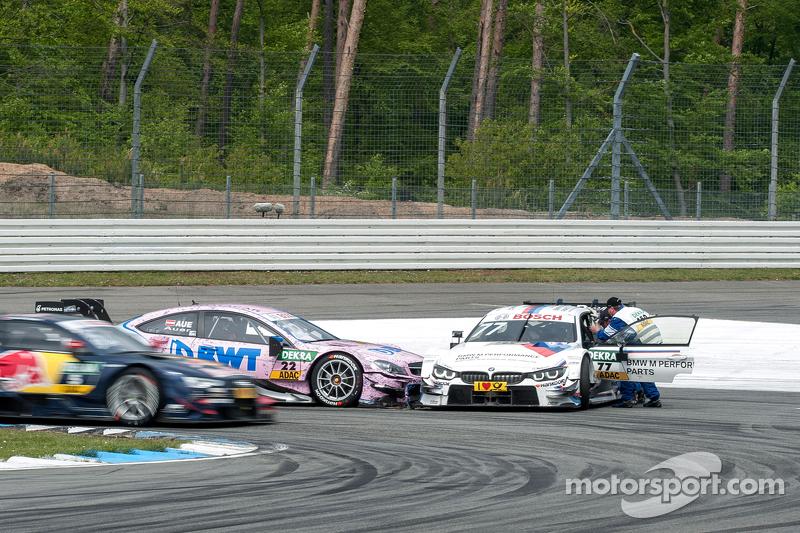 Лукас Ауер, ART Grand Prix Mercedes-AMG C63 DTM та Мартін Томчик, BMW Team Schnitzer BMW M4 DTM