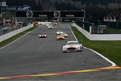 #97 Aston Martin Racing Aston Martin Vantage V8: Darren Turner, Stefan Mücke, Rob Bell